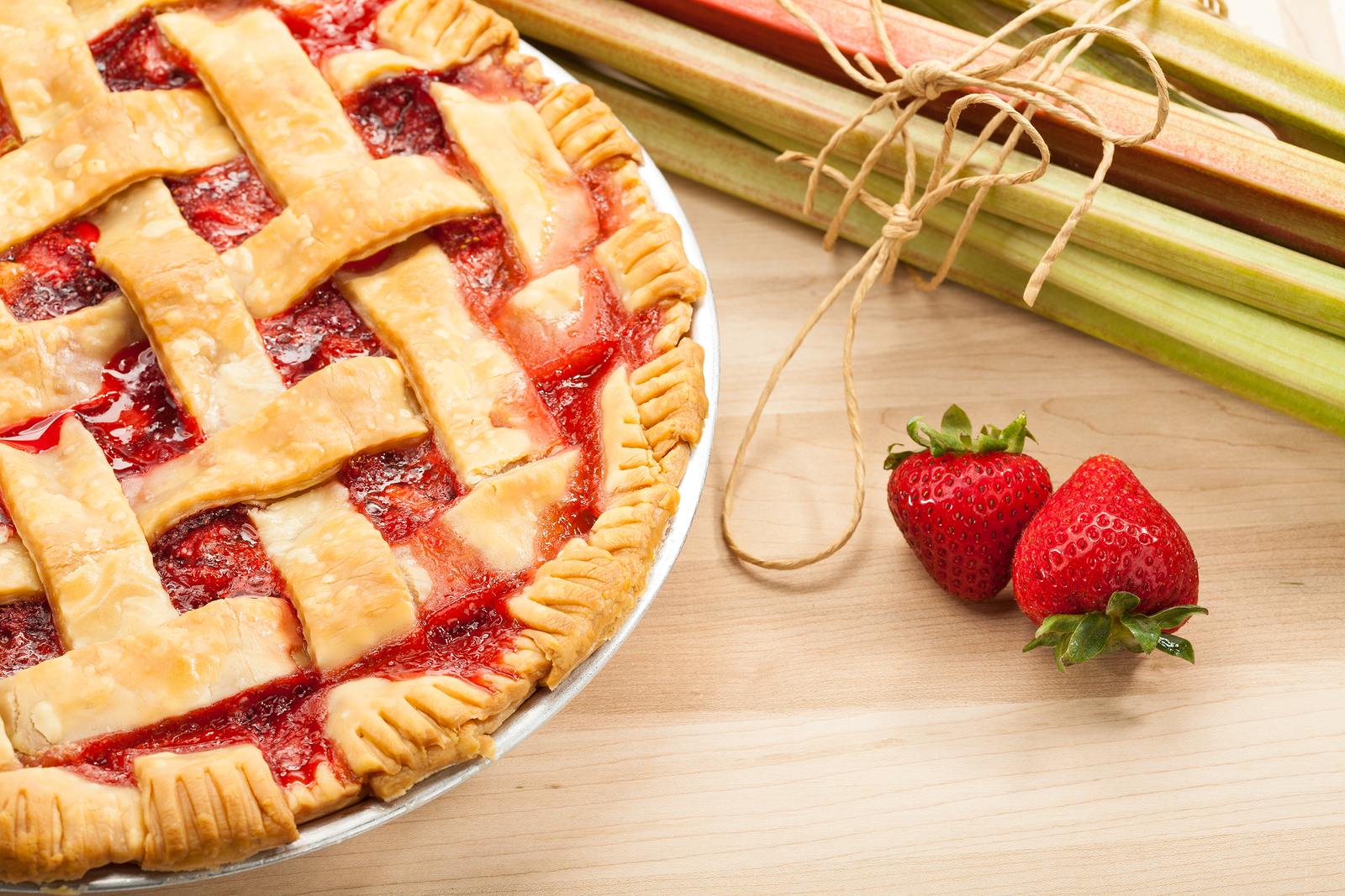 ... : This particular strawberry rhubarb pie was NOT made by Deb